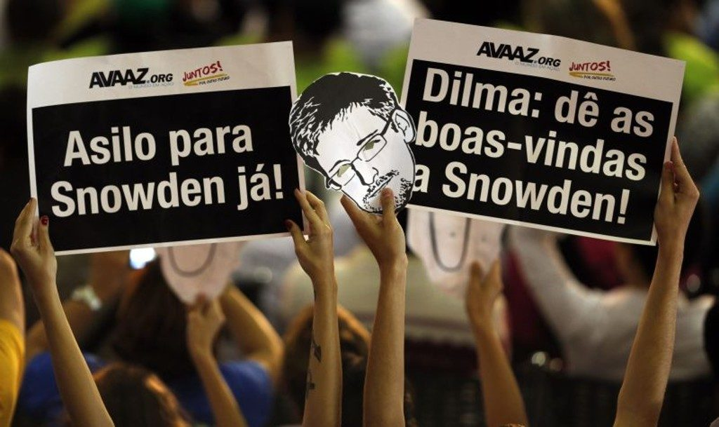Snowden_REUTERS_PauloWhitaker